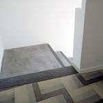 Particolare scala e pavimentazione del primo piano