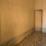 Sala biliardo, particolare marmorino e pavimentazione emerse durante i lavori di restauro